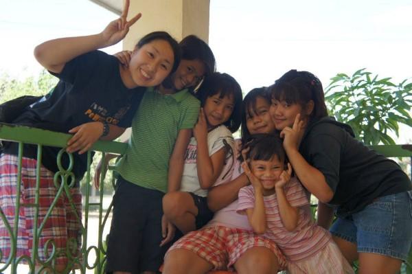 アクション 孤児院ボランティア